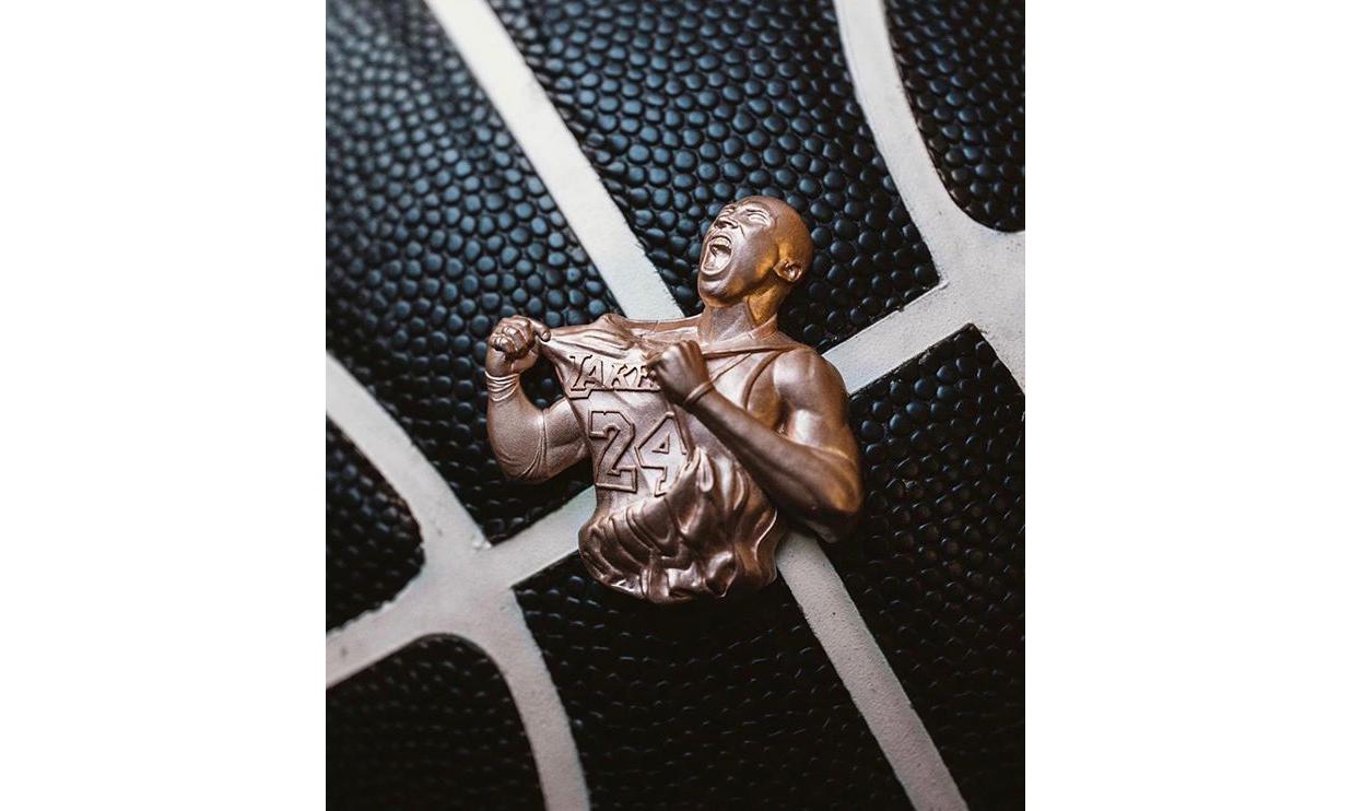 珠宝客制师 Greg Yüna 打造 18K 玫瑰金科比吊坠
