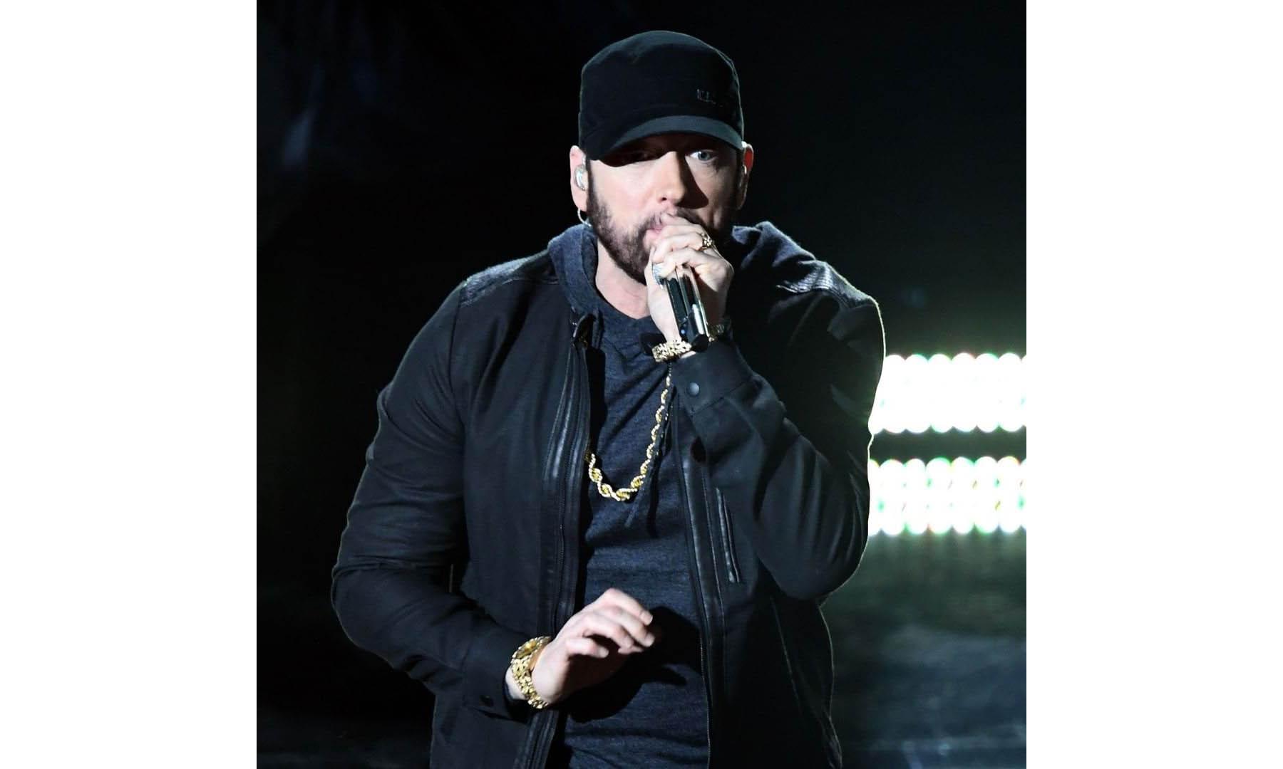 时隔 17 年,Eminem 登上奥斯卡舞台献唱《Lose Yourself》