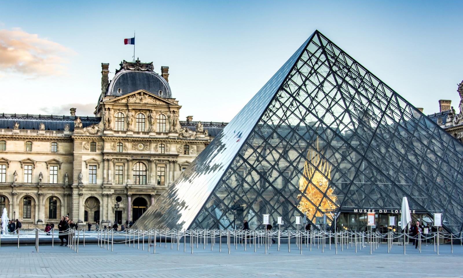 巴黎卢浮宫因内部人员罢工被迫关闭