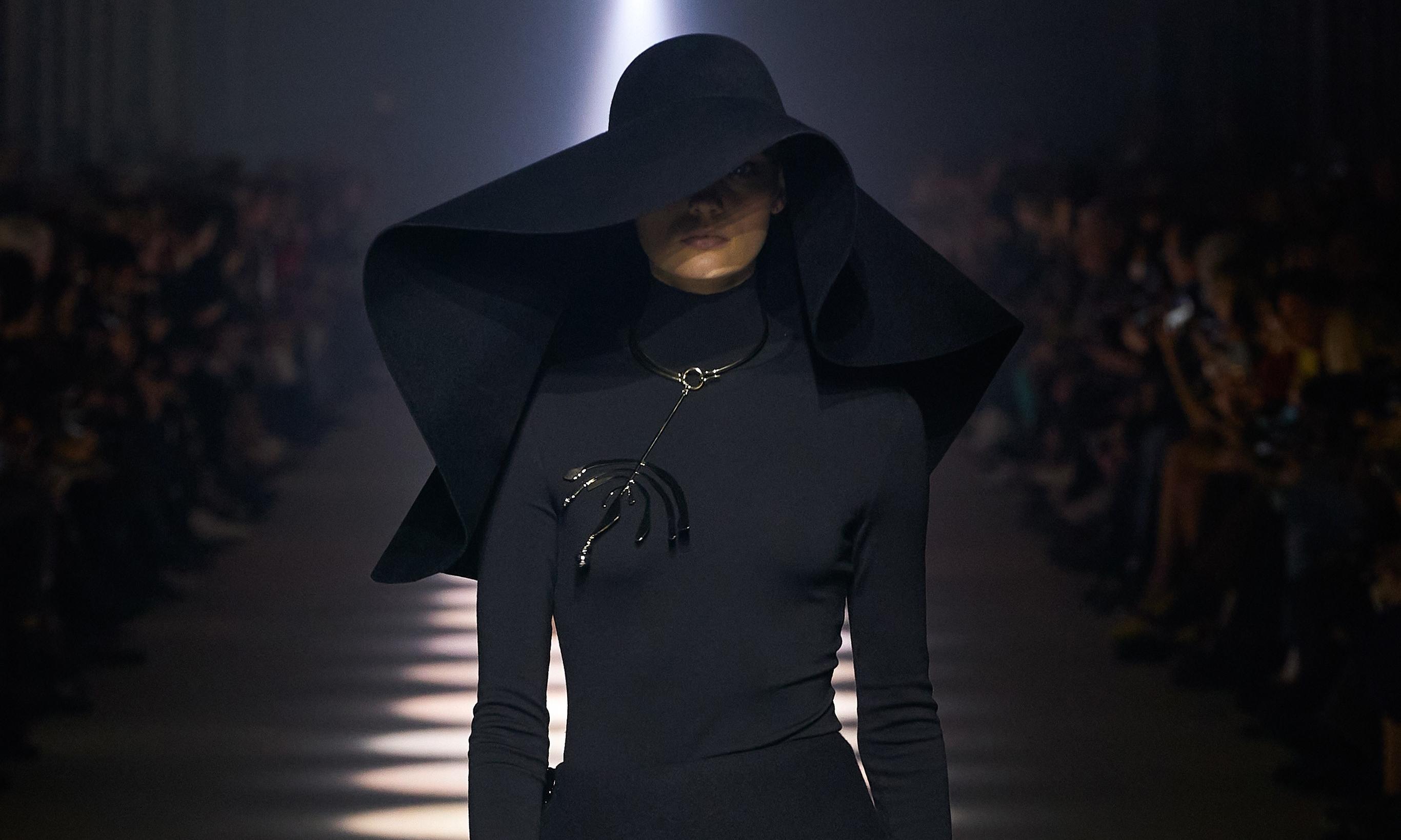 刚与柔的完美比例,Givenchy 2020 秋冬秀场回顾