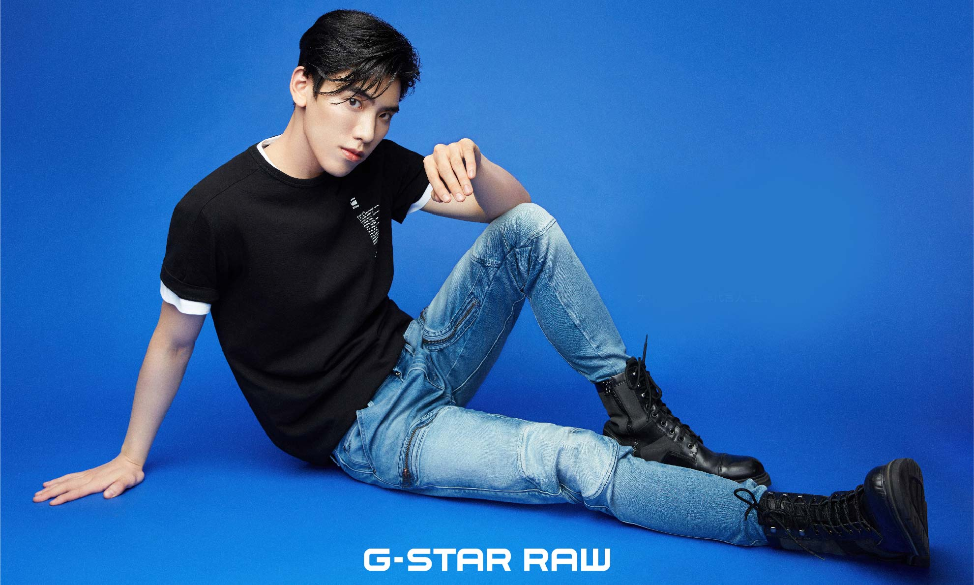 王子异 x G-Star RAW 释放「天生我蓝」夏日环保宣言
