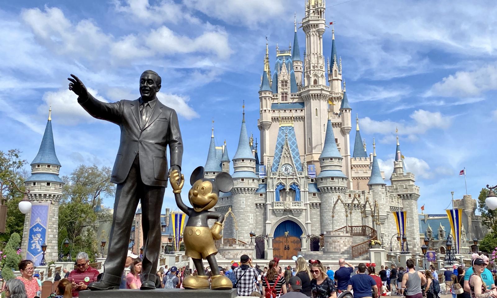 迪士尼将停止向奥兰多乐园的 43,000 名员工发放工资