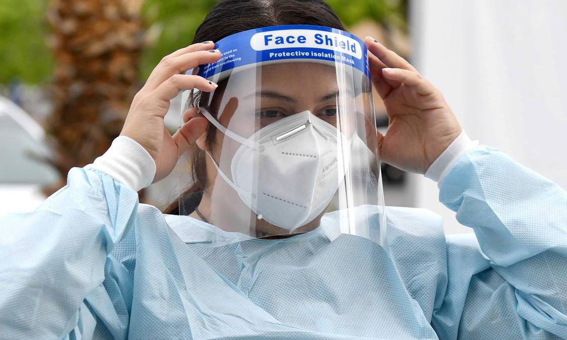 Apple 推出「FACE SHIELD」医护面罩