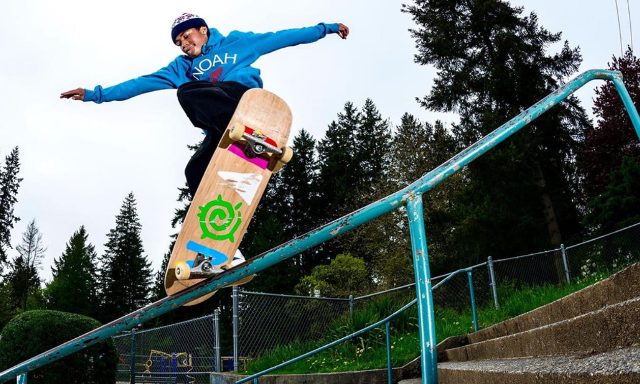 NOAH 全新胶囊系列「MORE CORE LOGO」向 1980 年代的冲浪、滑板文化致敬