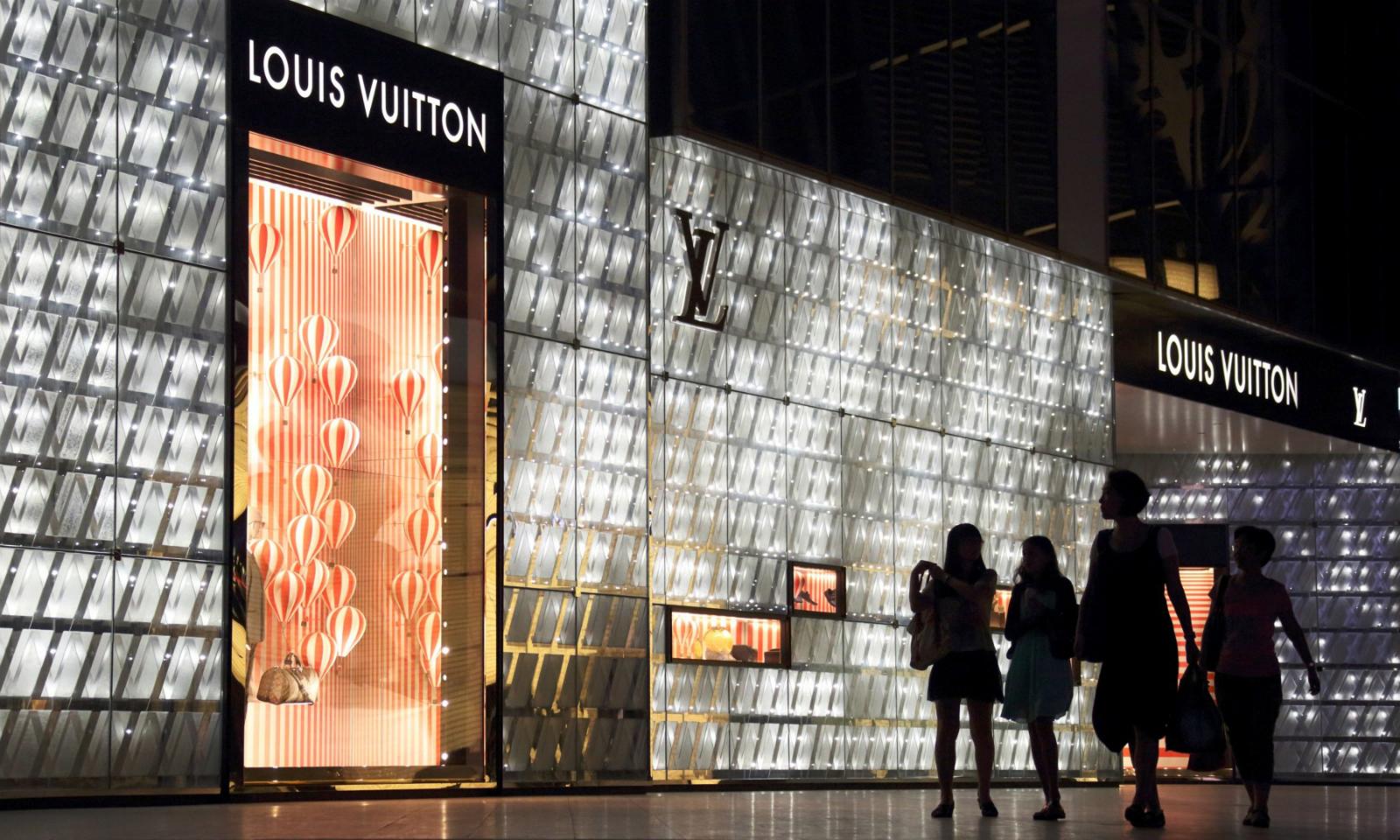 Louis Vuitton 与 Chanel 分别上调品牌产品售价