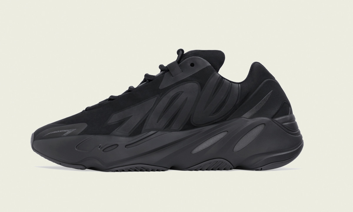 YEEZY BOOST 700 MNVN「Black」开启发售预约