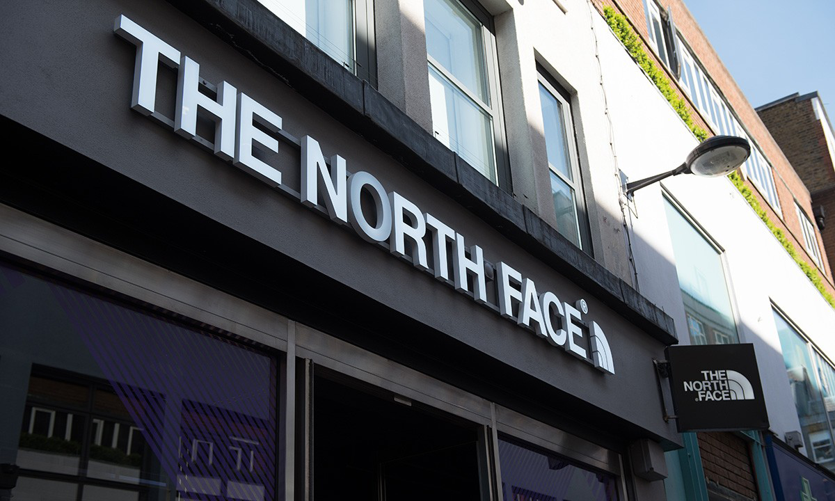 THE NORTH FACE 宣布品牌将撤下 Facebook 平台的全部广告