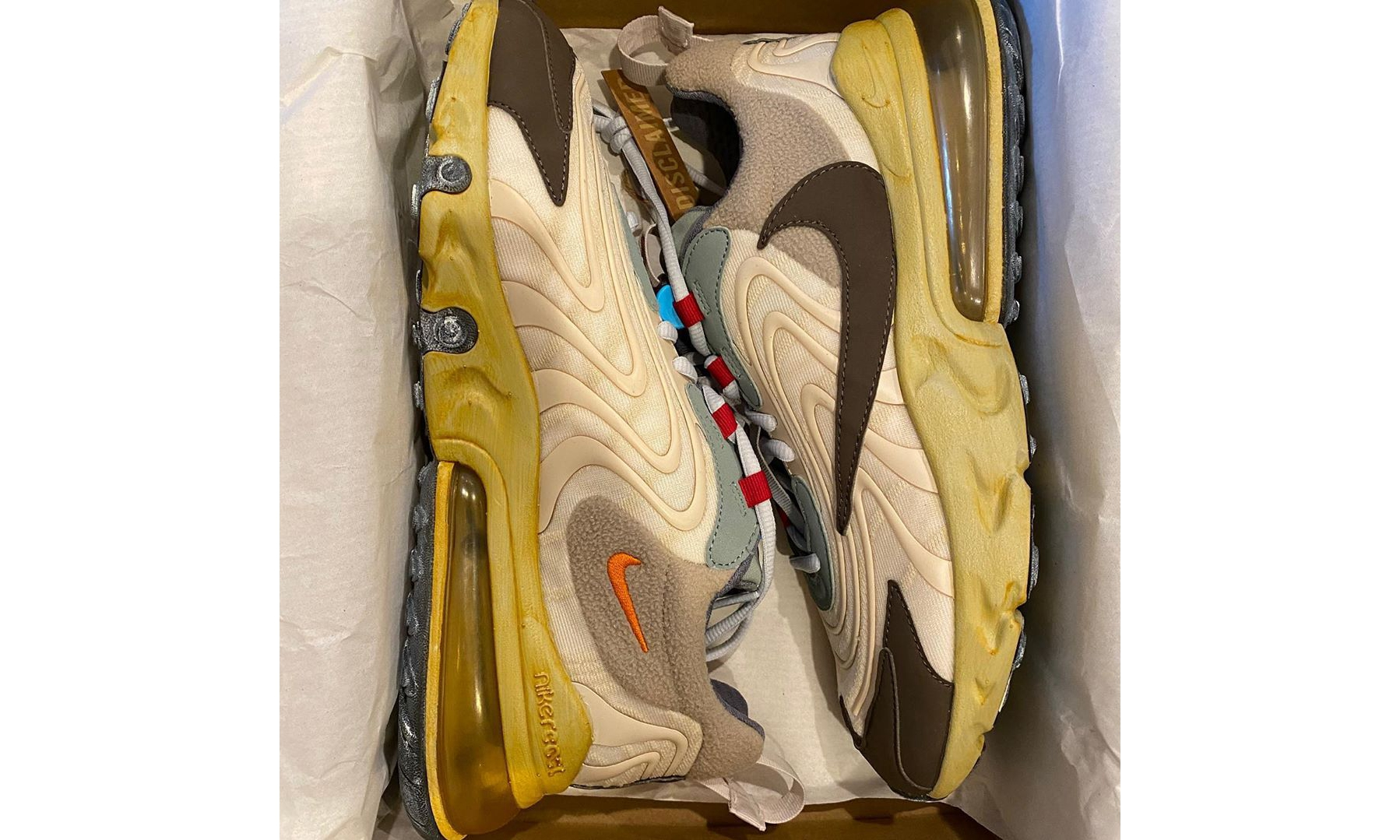 Travis Scott x Nike Air Max 270 React 亲友限定版本实物曝光