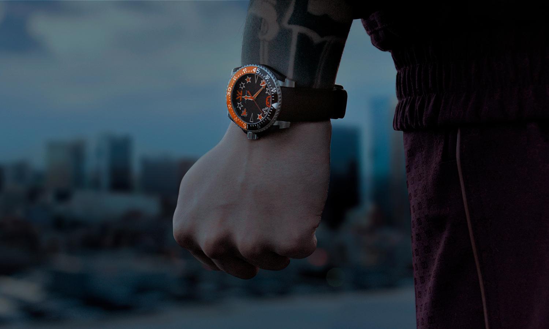 时尚美学带入电竞世界,Gucci 联手 Fnatic 释出限量款 Gucci Dive 系列潜水表