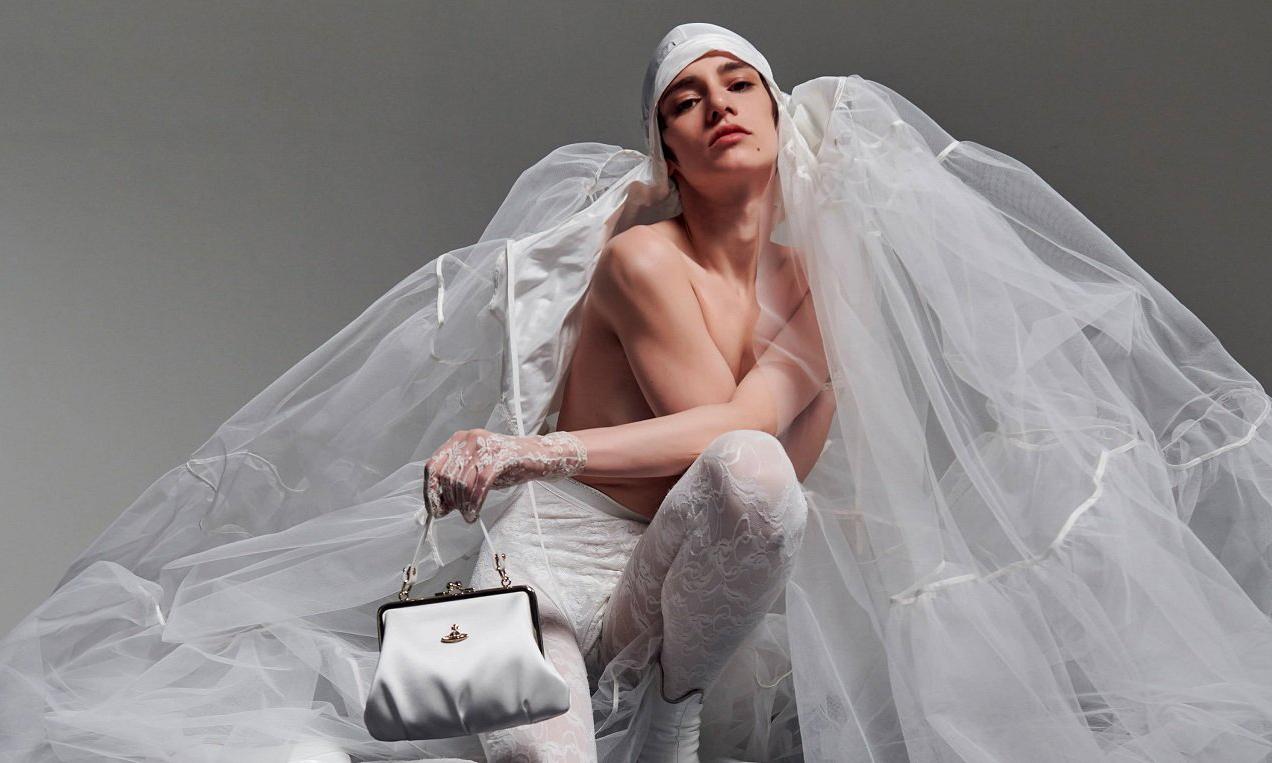与工匠团队直接沟通,Vivienne Westwood 推出线上婚纱定制服务