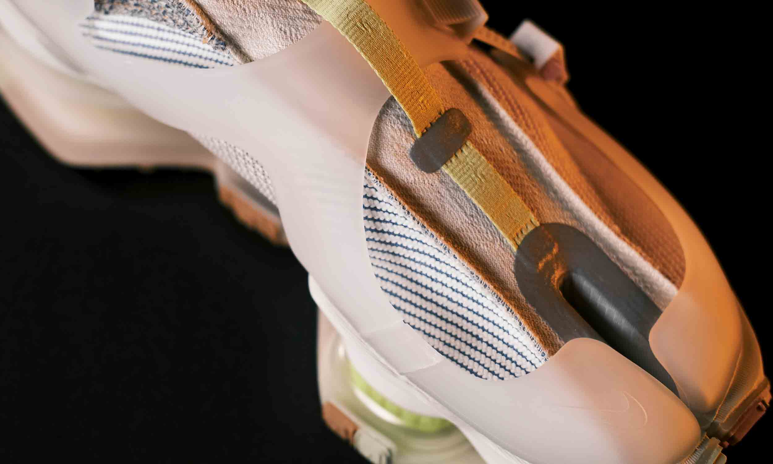 我们只注意到了 Nike ISPA 的定价很高,可业内人士的看法却…