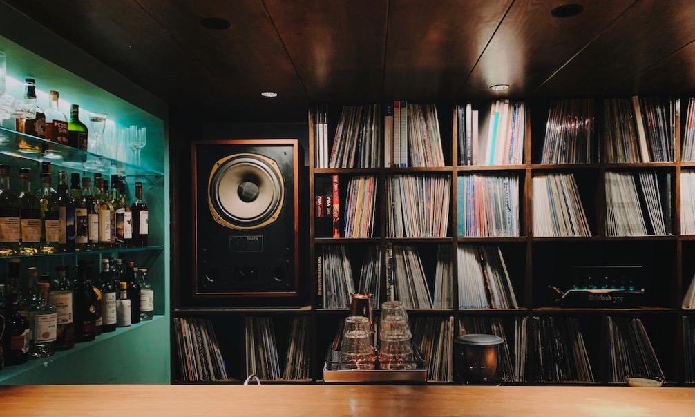 国内这六个「唱片酒吧」,将音乐品味「调」进酒中贩卖