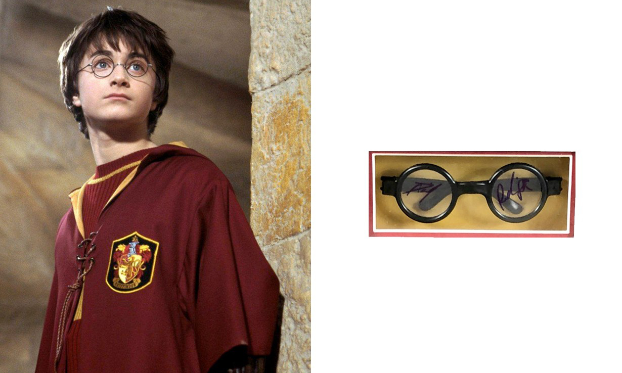 Daniel Radcliffe 签名,Harry Potter 的招牌黑框眼镜正在参与竞拍