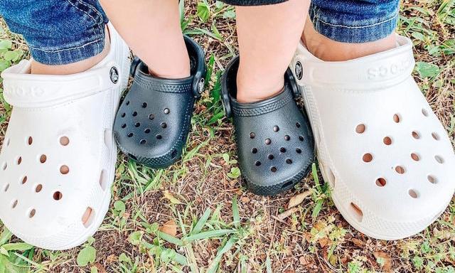 疫情下仍然热卖,Crocs 搜寻率大升 71%