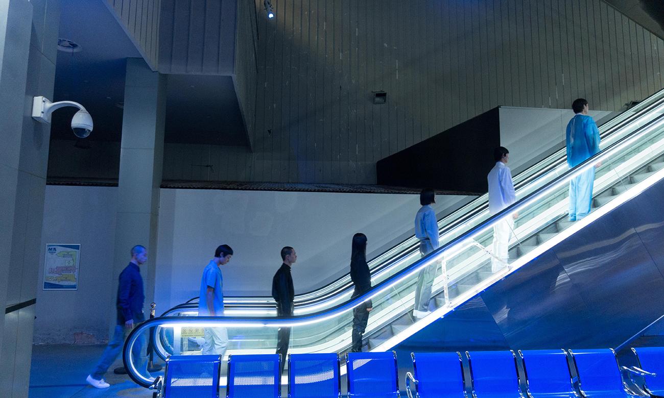 「VIRTUAL REALITY 虚拟现实」,XANDER ZHOU 2021 春夏系列亮相上海时装周