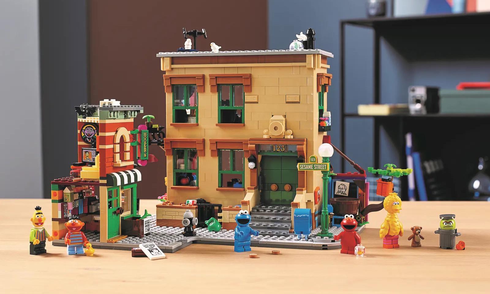 还原 123 号街景,LEGO 推出 21324《芝麻街》套组