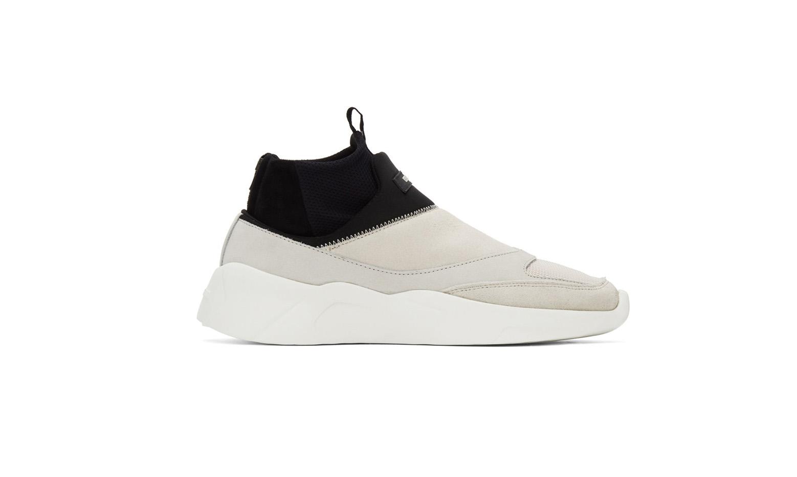 ESSENTIALS 众多鞋款迎来补货发售