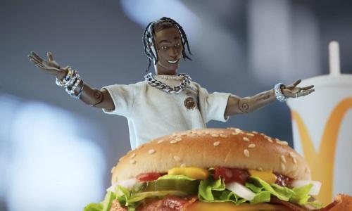 标价 5 万美元的 Travis Scott 麦当劳玩偶,会是「潮流玩具」的历史一刻?