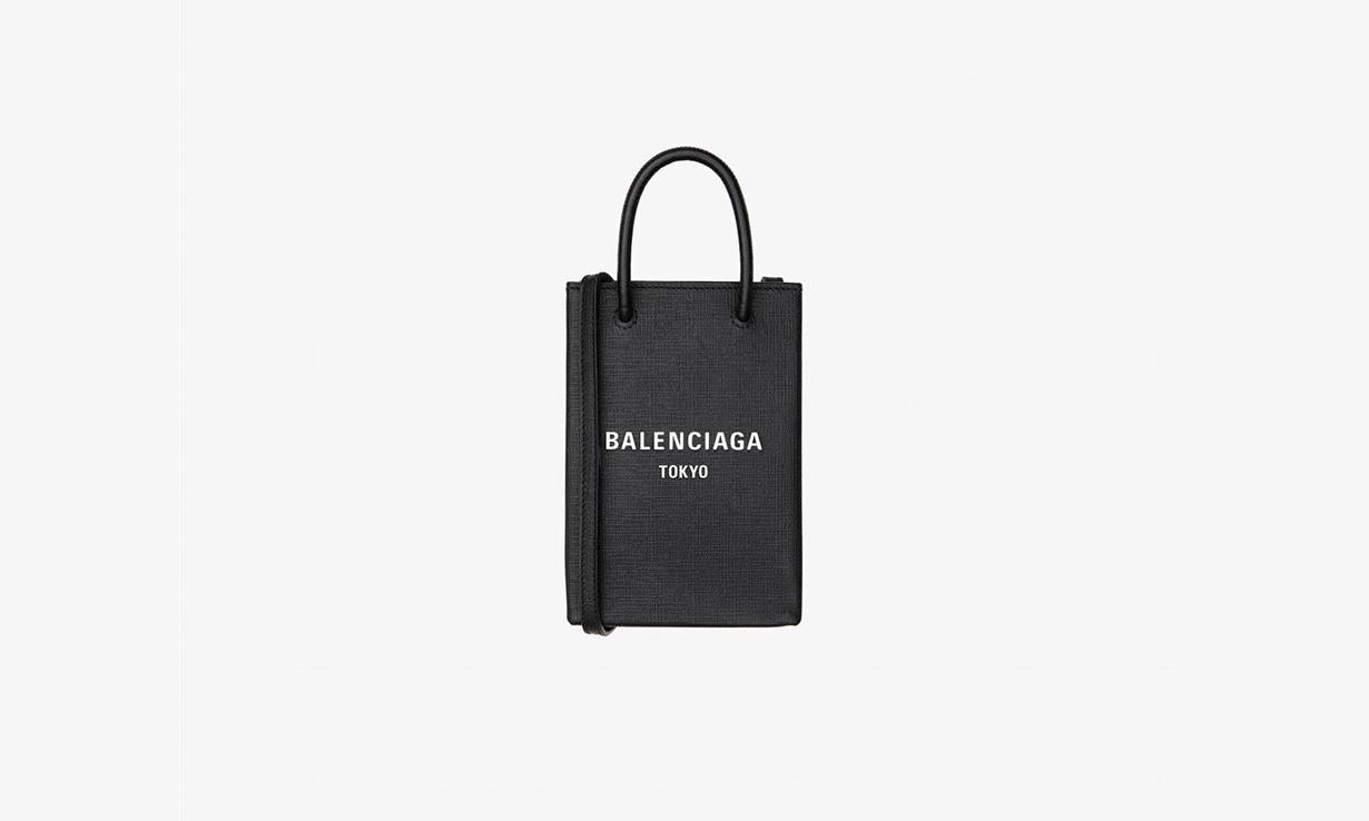 纪念东京青山店重新开幕,BALENCIAGA 推出限定系列