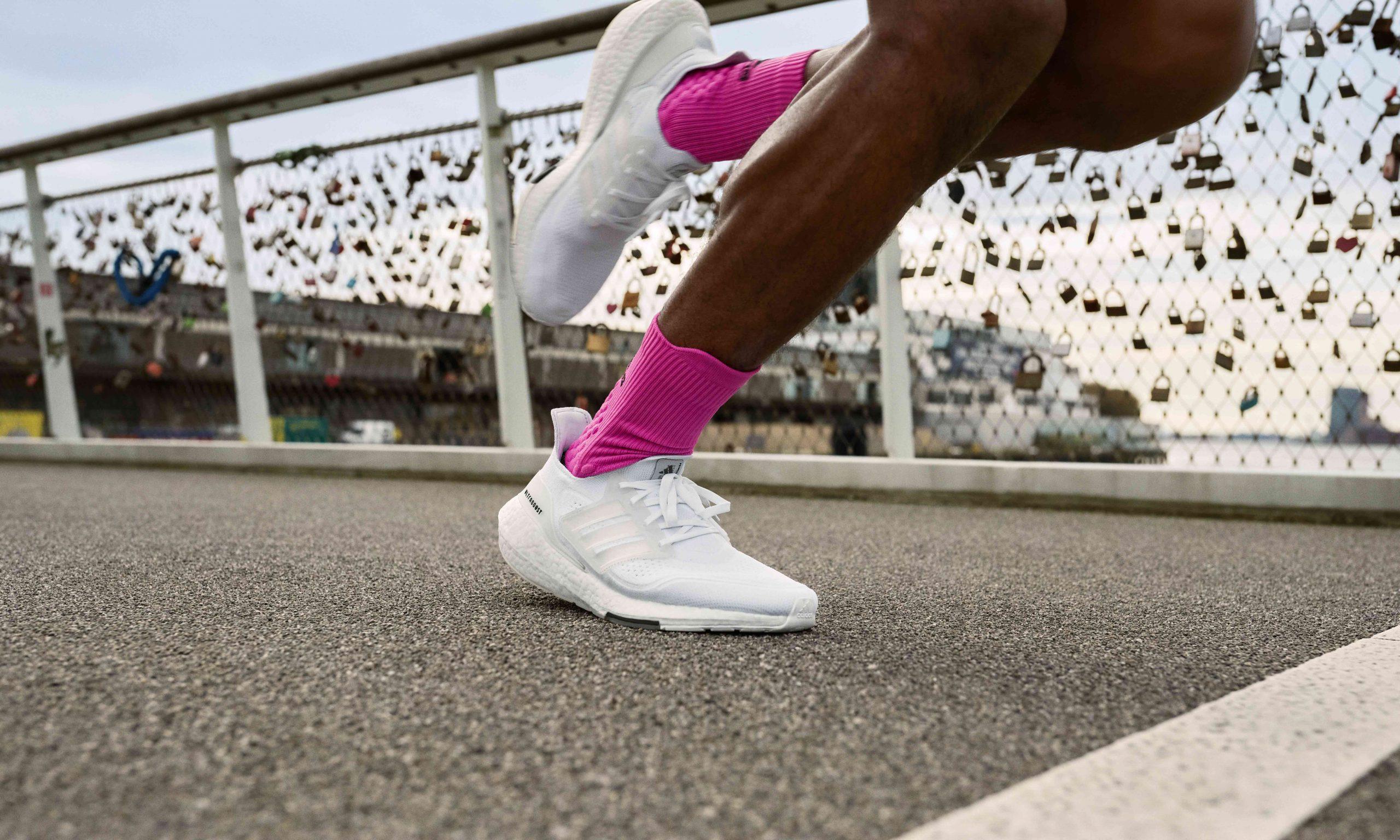 颠覆想象的能量反馈,adidas 最新 ULTRABOOST 21 限定配色抢先登场