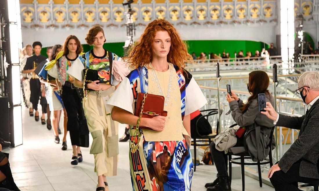 压力不断,巴黎时装周官方日程增加一天
