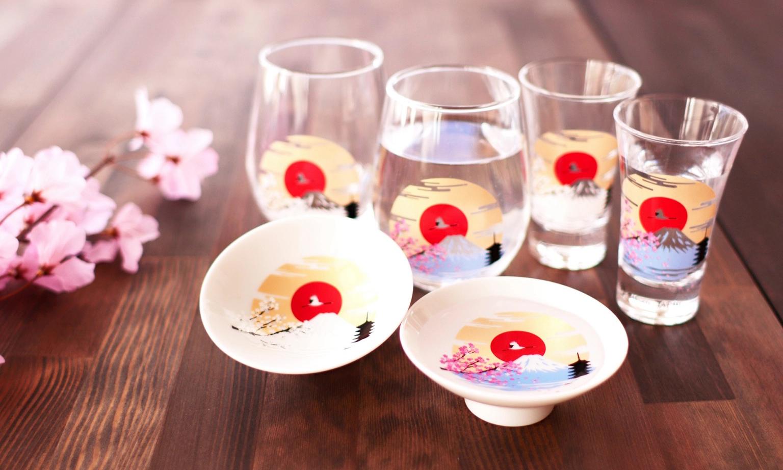 静赏樱花与富士山,日本陶器品牌丸モ高木推出春季餐具系列