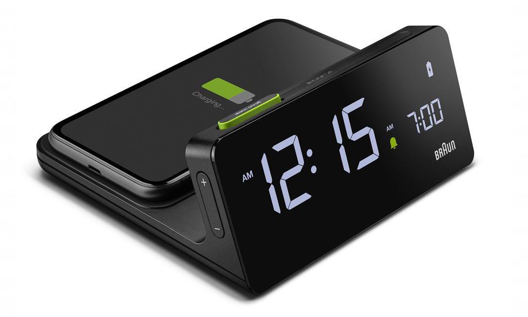 科技与经典碰撞,Braun 推出 BC 21 无线充电数字闹钟