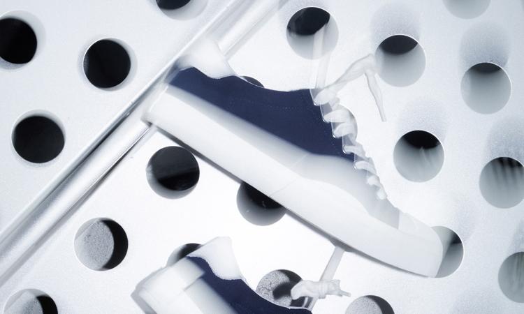 平移不对称设计,ROARINGWILD 正式发布首款硫化鞋 CANVAS SHOES