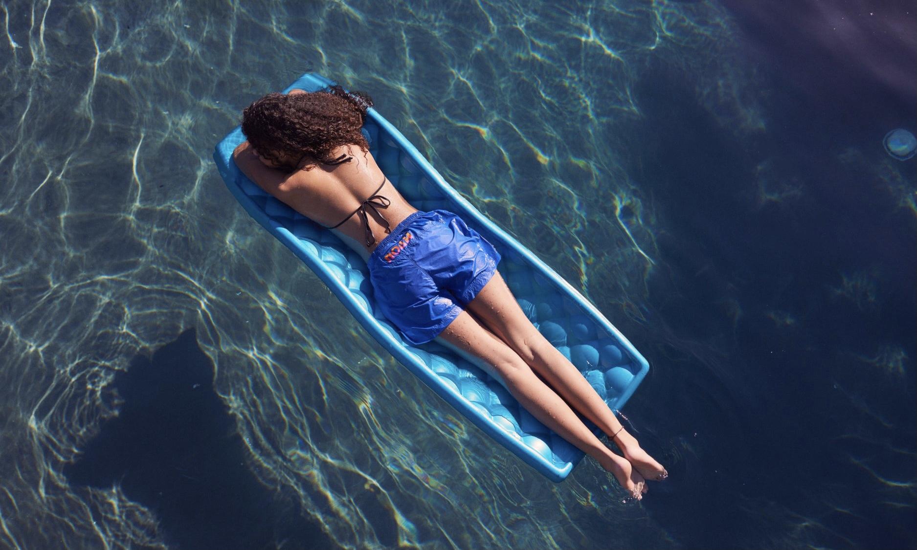 NOAH 2021 夏季「Poolside」Lookbook 释出