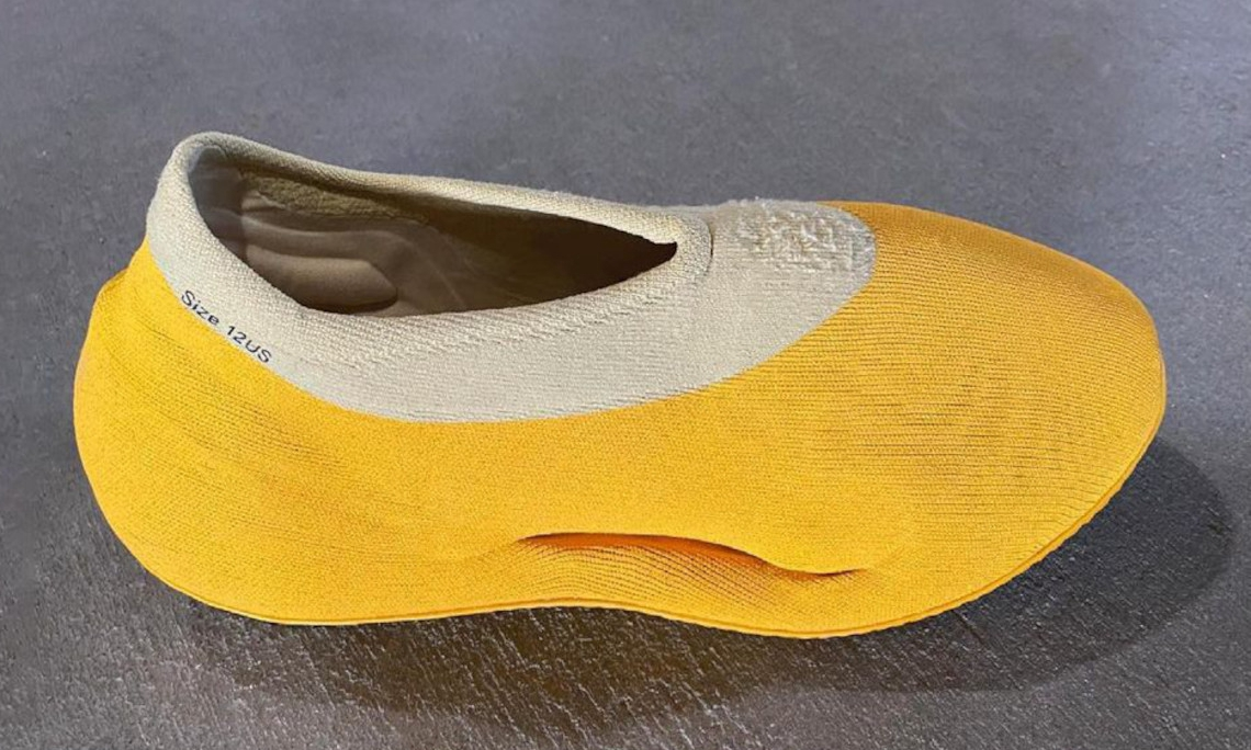Yeezy 新鞋型 Knit Runner 首度公开