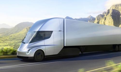 特斯拉将 Semi 半挂卡车的上市日期再推迟至 2022 年