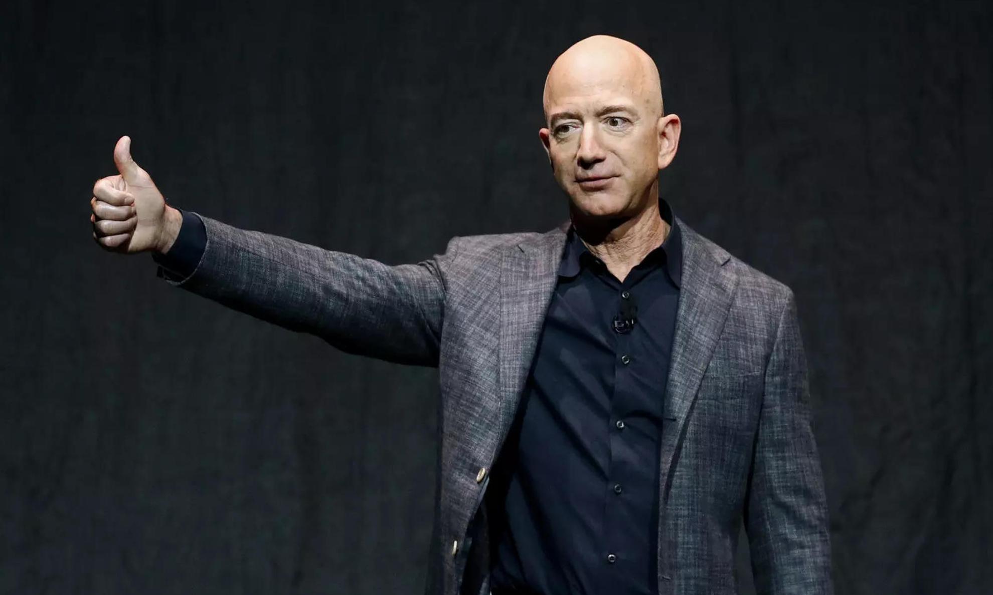 卸任次日,Jeff Bezos 身家创 2,110 亿美元新纪录