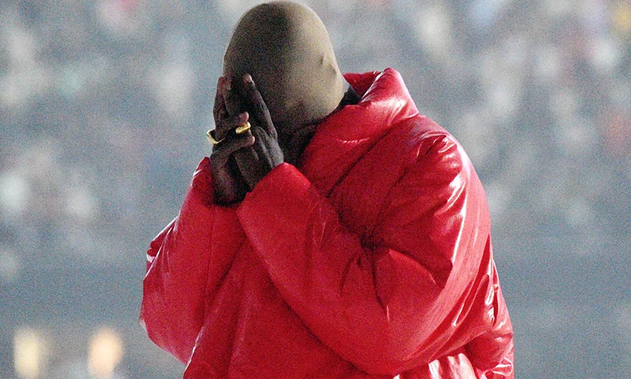 精神病还是耍帅?Kanye West 到底为啥要戴头套?