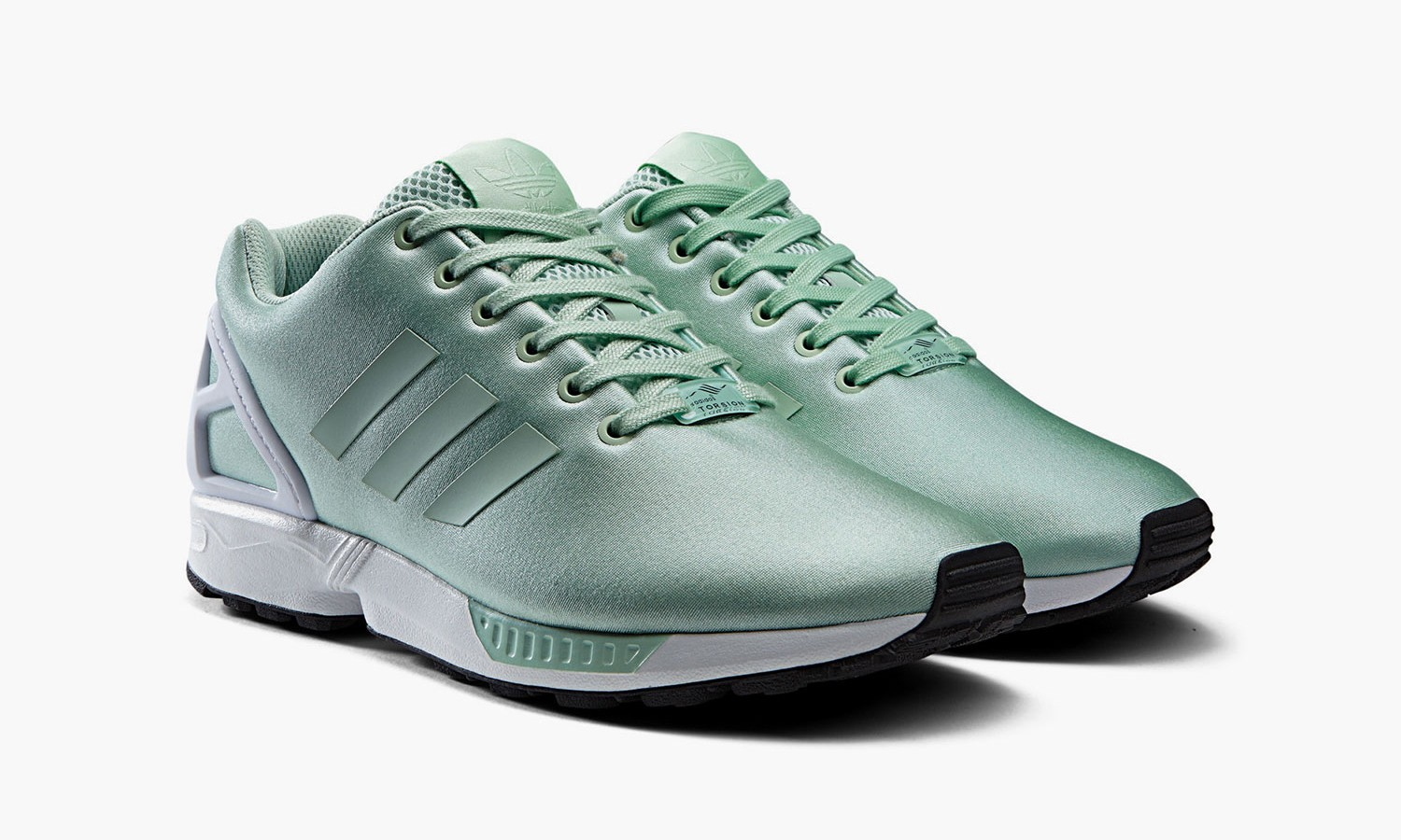 "adidas Originals 带来 2015 春季 ZX FLUX""Neoprene""系列跑鞋"