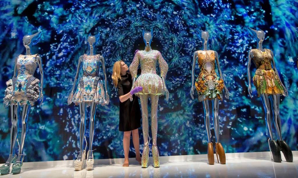 「Alexander McQueen: Savage Beauty」 伦敦时装回顾展