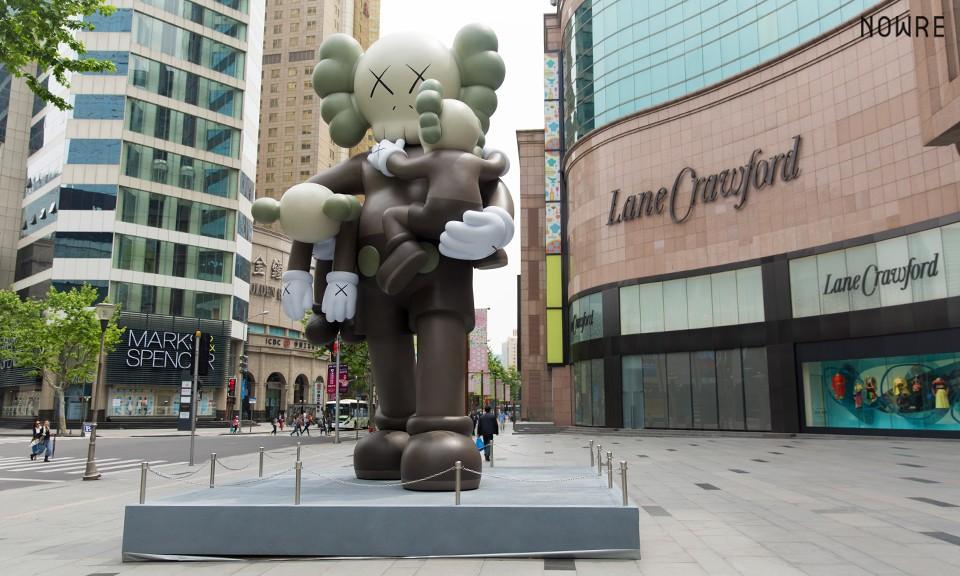 七米高 COMPANION 艺术品!KAWS 「CLEAN SLATE」展览上海站现场回顾及独家专访