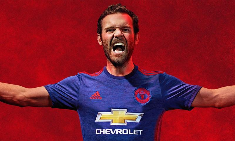 adidas 发布 2016 – 17 赛季 Manchester United 客场球衣