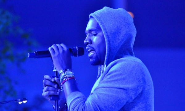 "Kanye West 喊话库克:""不要把自己当乔布斯。"""