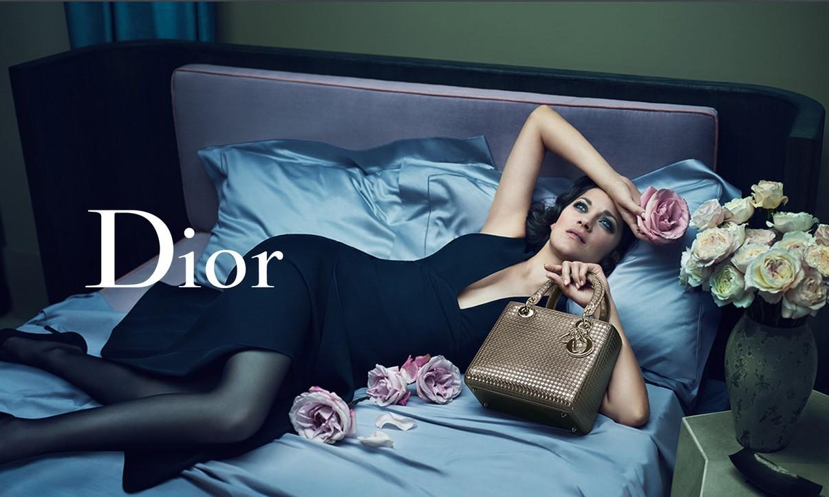 微信试水,Dior 成为首个在朋友圈销售包袋的奢侈品牌