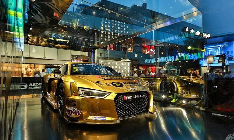 AAPE BY A BATHING APE® x Audi 这次还带来了一系列别注单品