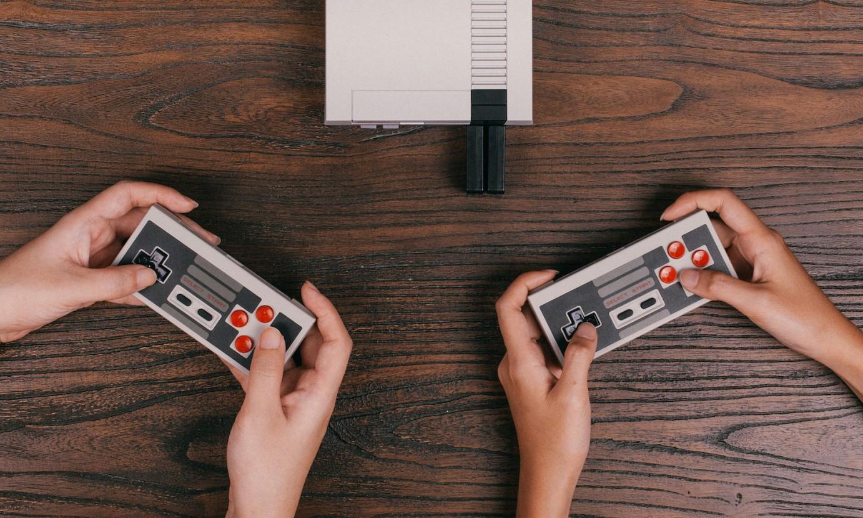 8Bitdo 为任天堂 NES 主机打造无线手柄